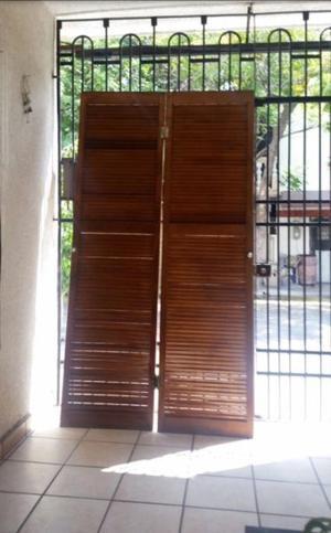 Puertas para closet de madera de rejias