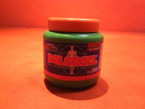Gel Alcanforado y mentolado para dolores musculares.