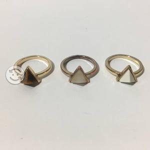 Trio de anillos pirámides
