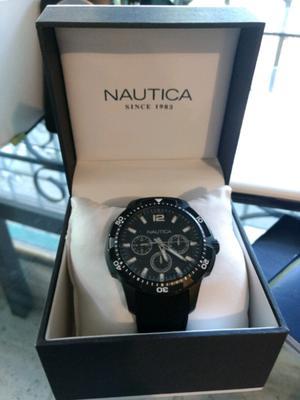 Reloj Nautica NUEVO, contra agua para caballero.