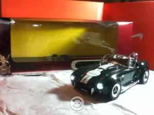 Auto a escala 1/18 Shelby 427 S/C