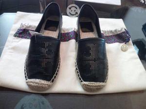 Zapatos Tory Burch originales y nuevos.