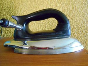 PRECIOSA PLANCHA Sunbeam IronMaster DE LA ERA DEL JET