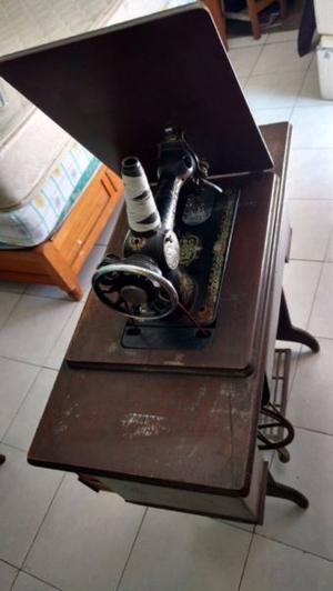 """Máquina de Coser completa """"Grand Machine"""" con mueble y"""
