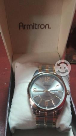 Reloj Armitron de caballero nuevo