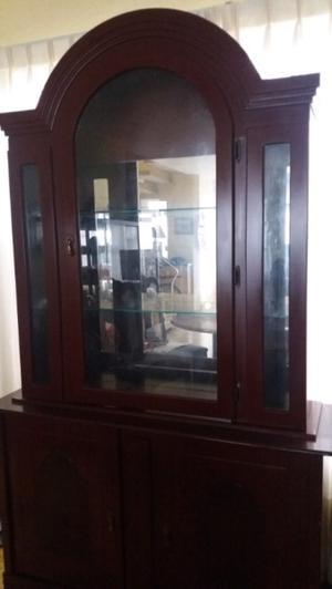 vitrina con trinchador