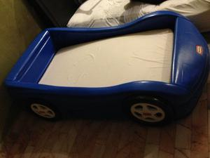 Cama en forma de carro little tikes