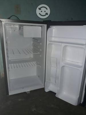 Frigobar Refrigerador 3.1 Pies Con Cerradura