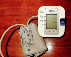 Baumanómetro digital marca Omron