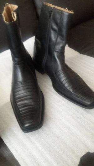 Botas de piel marca santini