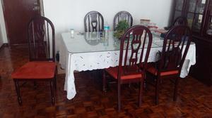 Comedor y Vitrina