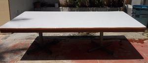 Enorme mesa de trabajo