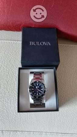 Reloj Bulova semi nuevo