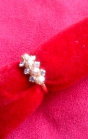 Anillo de Perlas Sint. y Zirconias en Chapa de Oro 18K Nuevo