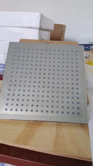 Regadera con luz led de 30 x 30 cm nuevas