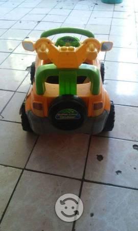 Carrito para niño con control remoto