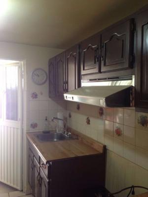 Cocina Integral de madera en excelentes condiciones