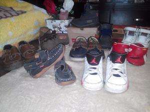 Remato lote de zapatos y 12 prendas de ropa para bebe