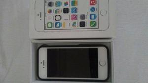 Se vende IPhone 5 en muy buenas condiciones casi nuevo