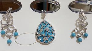 Elegante Collar y Aretes de Zirconia - Color Azul Cielo