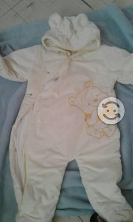 Lote de ropa de bebe 60piezas