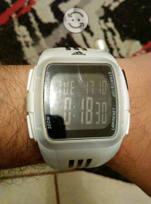 Reloj digital Adidas original blanco