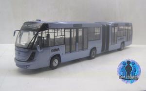 Autobús Dina Brighter A Escala sin caja