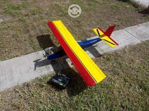 Avión rc listo para volar, solo se usó una vez