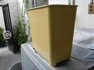 Bote de basura metalico