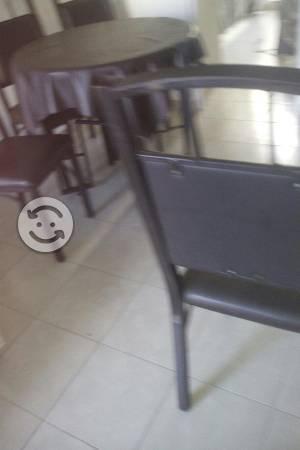 Comedor redondo con 4 sillas