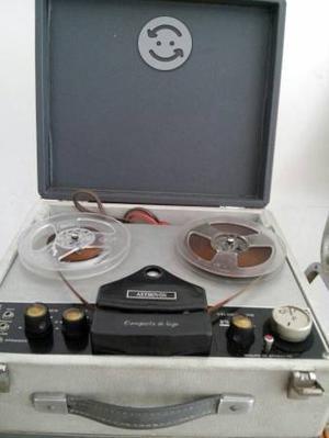 Grabadora astrovox de cinta magnética