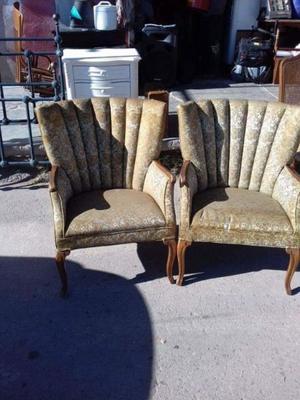 Par de sillones antiguos