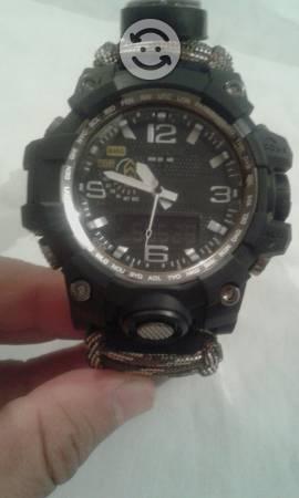 Reloj de campismo tipo casio g-shock