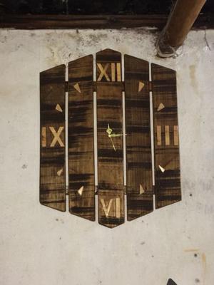 Relojes de madera acabado rústico