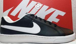 Tenis Nike Court Royale - Negro y Blanco TALLA 26