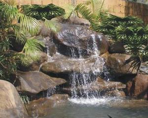 cascadas y lagos artificiales muros llorones