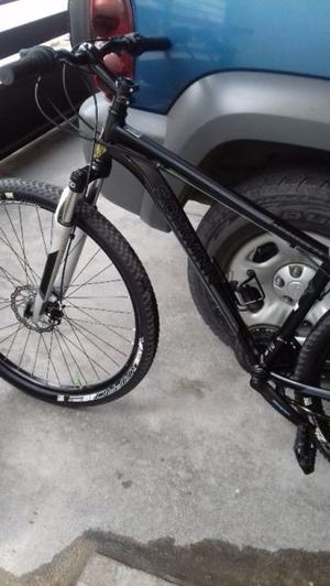 Bicicleta schwinn negra rodada 29