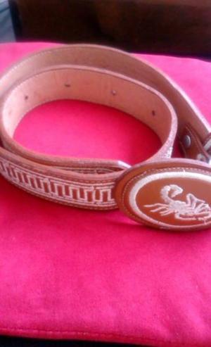 Cinturon de Piel Bordado Alacran Talla 26