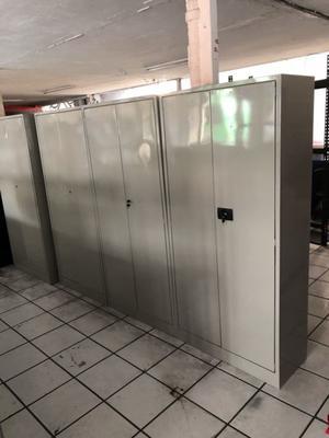 Gabinete metálico