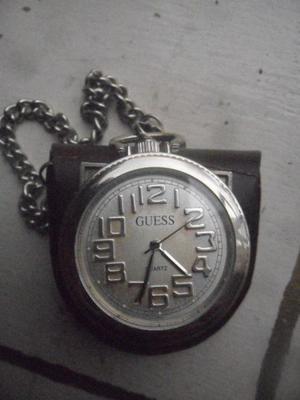Remato precioso reloj Guess de colección
