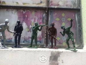 Soldados de juguete de los sesentas
