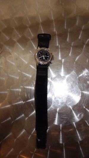 reloj japones marca Lotus de cuarzo seminuevo en $860.-