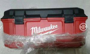 Caja para herramientas Milwaukee de 26