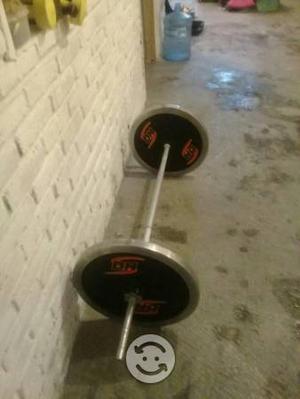 La recta con dos discos de 20 kilos