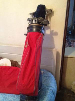 Bolsa con jugo de maderas y fierros de golf
