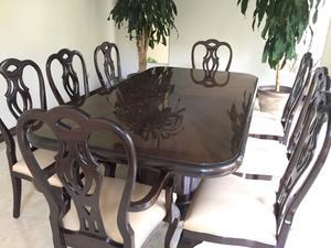 Comedor 100% caoba con 8 sillas