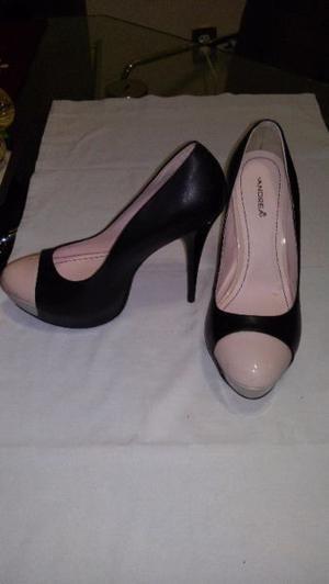 Zapatillas negras punta rosa Andrea talla 5