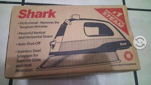Plancha de vapor shark nueva