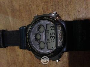 Reloj CASIO 3ESFERAS ORIGINAL CON EXT DE VELCRO