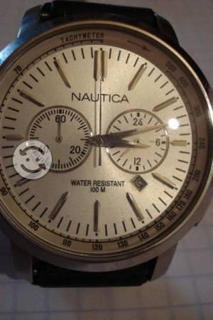 Reloj Nautica con cronos y fechador AG